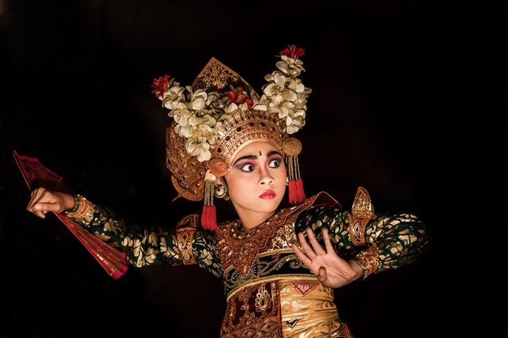 Legong dancer by Philippe CAP