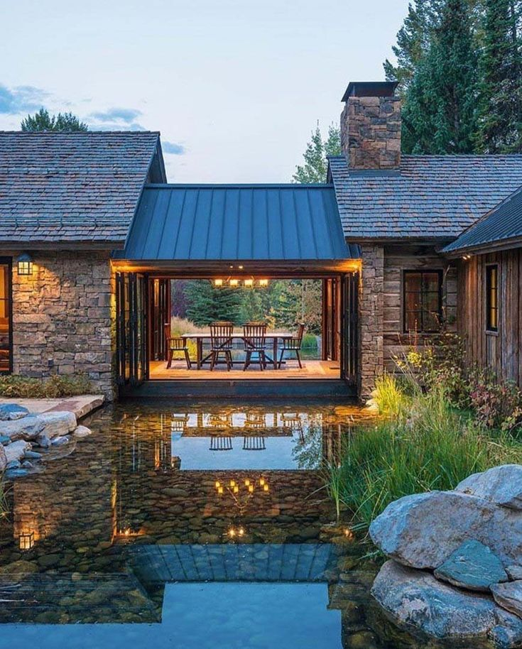 A Wyoming Mountain retreat blends modern living with rustic style