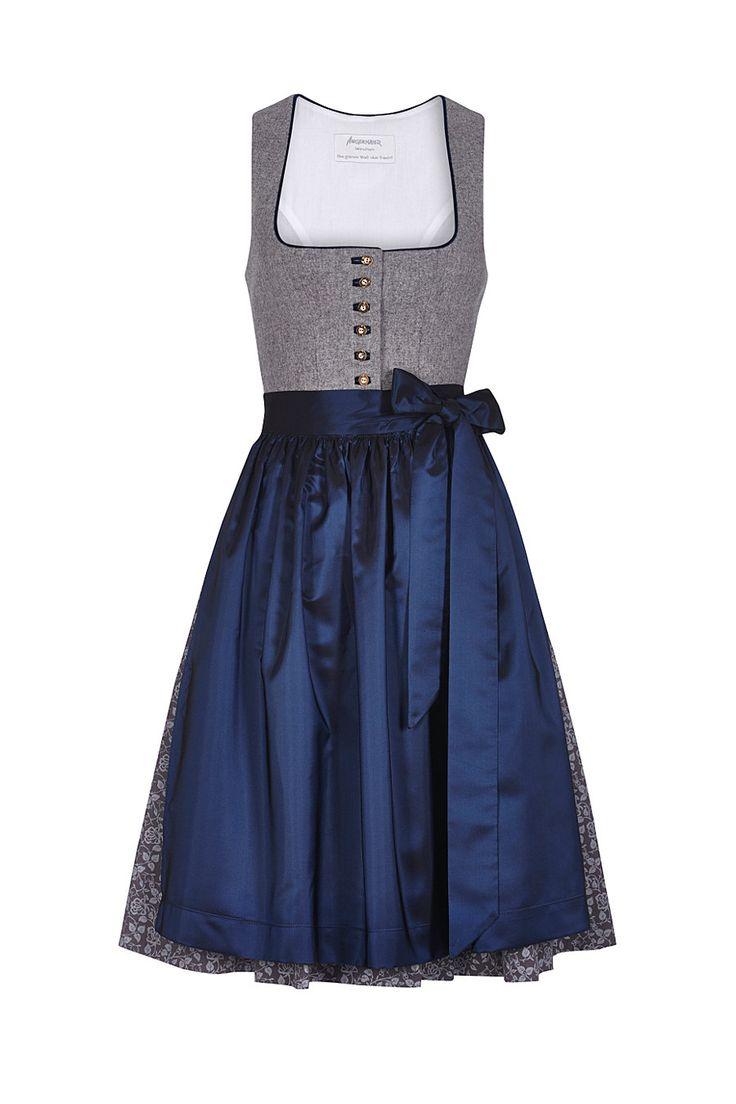 #Farbbberatung #Stilberatung #Farbenreich mit www.farben-reich.com Dirndl Pillersee in midnight blue, buy costumes Angermaier online