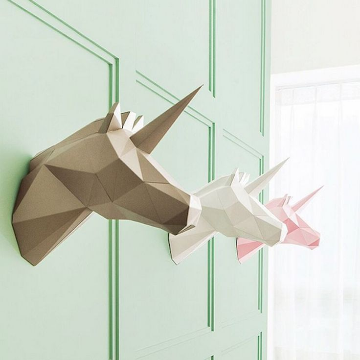 Geometric Animal Home Decorations  Korean-brand PAPA is specialized in the creation of origami-like trophy home decorations. Easy to assemble these polygonal trophies feature different kind of models and colors such as a fin of a whale a unicorn or poetic bird which come in pastel tons or gold.               #xemtvhay