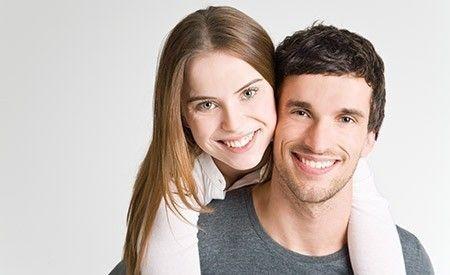 (Zentrum der Gesundheit) - Candida ist ein Hefepilz, der auf den Schleimhäuten vieler Menschen zu finden ist. Solange der Pilz sich nicht übermässig ausbreitet, stellt er für unsere Gesundheit noch keine Gefahr dar. Kommt es jedoch zu einer Candida-Infektion, die sich als Scheidenpilz, Darmpilz oder Pilzerkrankung des Mund-und Rachenraums äussern kann, hat dies sehr unangenehme und teilweise auch gefährliche Folgen für unseren Körper. Halten Sie sich fit, indem Sie einer Candida-Infektion…