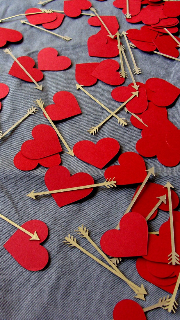 Valentine's Day: Hearts and Arrows decorations