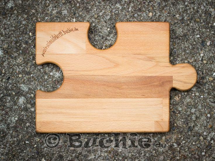 mit einer Gravur kannst du dein Puzzle Anricht- und Schneidebrett sogar noch individueller gestalten #puzzle #brett #schneiden #anrichten #gravur #engraving #wood #cutting #board #cut #serve #dish #up #Puzzleboard