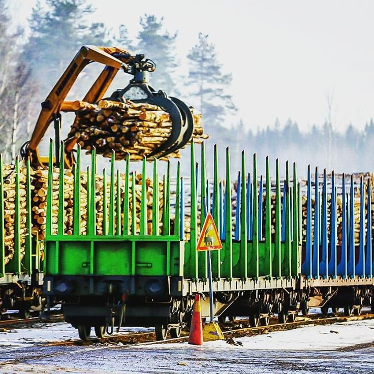 Railroad is one of the most important veins amongst production organs, this particularly colourful one can be found in the Heinola Fluting Mill area.