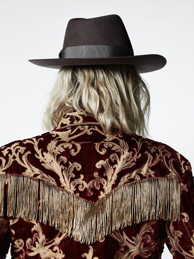 Les détails du défilé Saint Laurent au Palladium par Hedi Slimane   Vogue