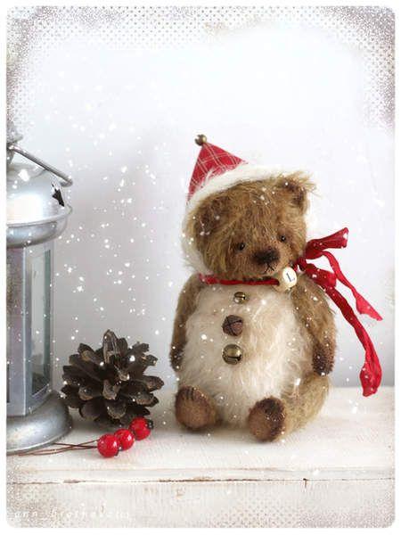 Tiny bear Snowball Lushek By Anna Bratkova - Bear Pile