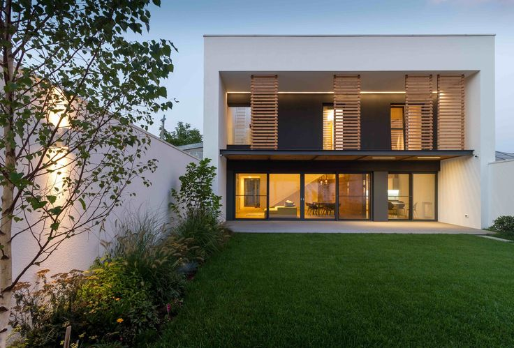 JC House / Plus Line Design