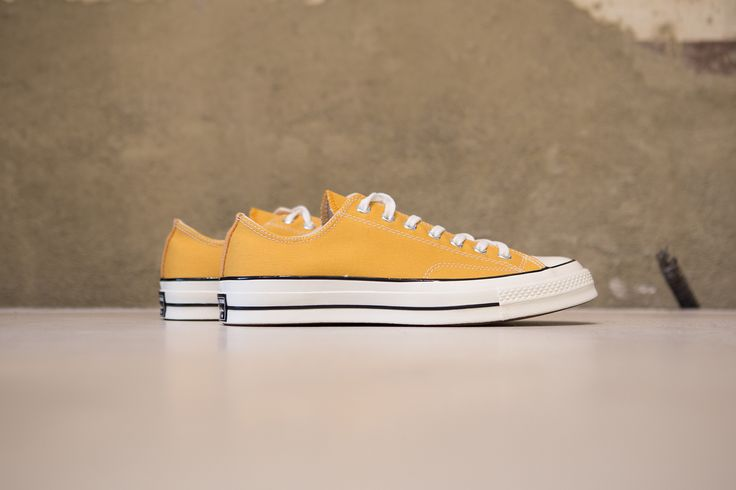 CONVERSE - CHUCK TAYLOR ALL STAR PREM OX 1970'S CANVAS - SUNFLOWER/BLACK