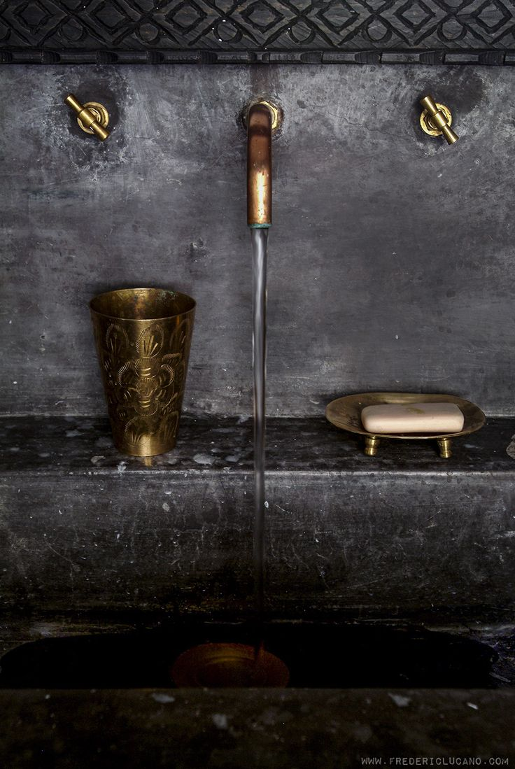 Gold and brass fixtures and faucets promising or passe apartment - Www Fredericlucano Com Photography Deco 02 Brass Faucetsink