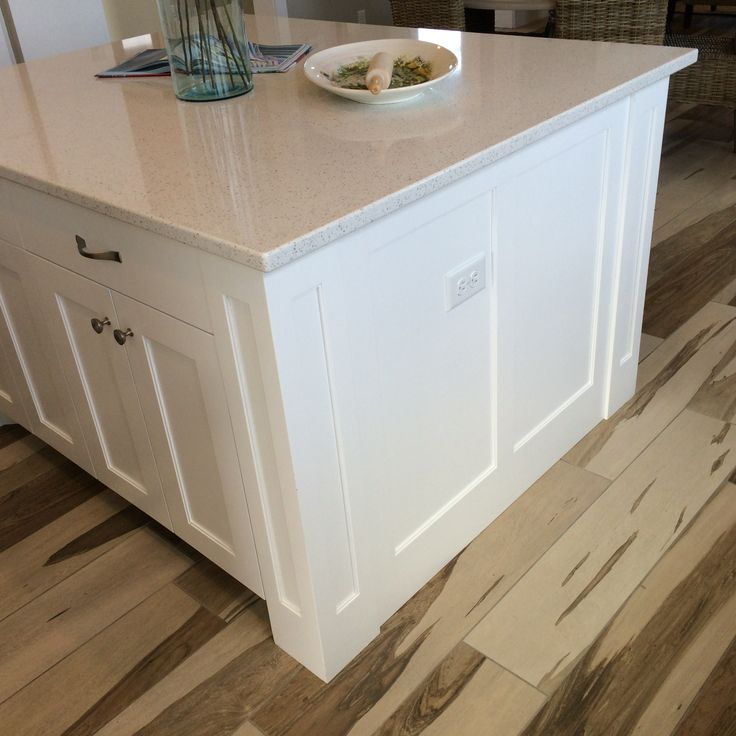 Square Shaker Island Legs With Semi Flush End Panels In