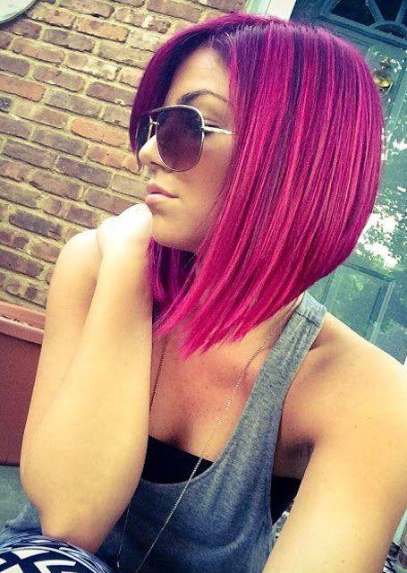 Du möchtest im Mittelpunkt stehen? Vielleicht mit einer dieser tollen Frisuren in Pastelltönen, wie Lila und Pink!
