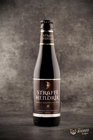 """La """"Straffe Hendrik Quadruple"""" est une bière brune de haute fermentation au caractère prononcé. Elle est élaborée sur base d'un subtil mélange de malts qui lui confèrent l'intensité de sa couleur et la riche complexité de ses saveurs."""