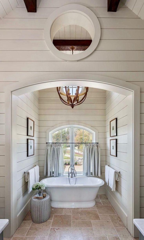 Scheune, Badezimmer, Innenarchitektur, Innenräume, Falltüren, House Ideas,  Holzhütten, Wannen