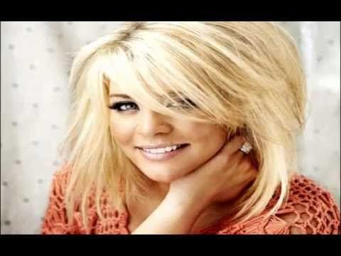 "Lauren Alaina sang ""Walkaway Joe"" December 4, 2012."
