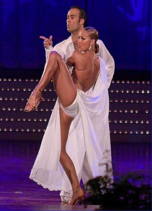 eroticheskie-zasveti-v-balnih-tantsev