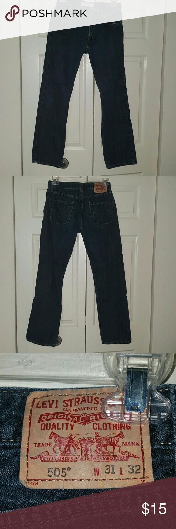 Levi's  505 Jeans Gently used jeans, 31 X 32, Straight Fit. Shipped from smoke and pet free environment. Levi's Jeans Straight