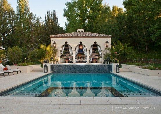 chris jenner house | Bruce and Kris Jenner's Home - Pool