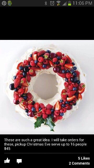 Christmas cake wreath