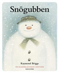En vinternatt vaknar en snögubbe till liv och ett magiskt äventyr tar sin början ...Nu kommer äntligen den efterlängtade nyutgåvan av Raymond Briggs klassiska julsaga. Det är en historia utan ord, där de drömlikt vackra illustrationerna berättar sagan om den lilla pojken som rusar ut i trädgården en vintrig dag för att bygga en snögubbe. På natten när han sover vaknar snögubben till liv i hans drömmar. Raymond Briggs prisbelönta berättelse är ett världsomspännande fenomen som har varit en…