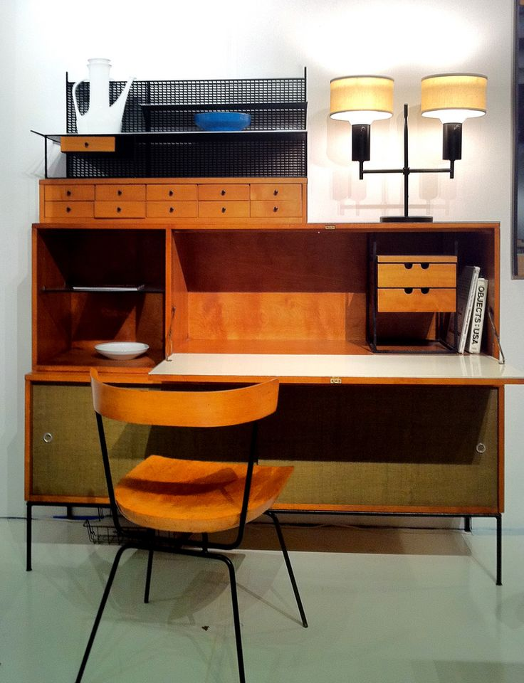 """Planner Group by Paul McCobb"" exhibit at Los Angeles Modernism Show"
