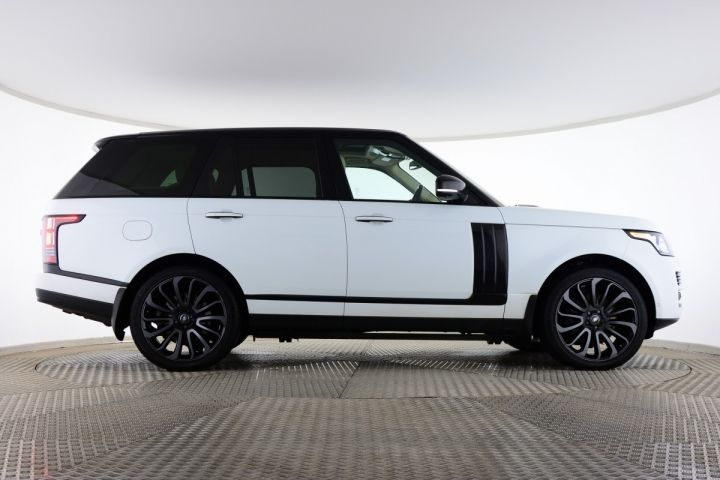 Used Land Rover Range Rover SDV8 AUTOBIOGRAPHY White for sale Essex EA65BBK | Saxton 4x4