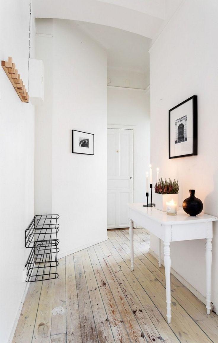 Best 20 couleur couloir ideas on pinterest couleurs de for Quelle couleur pour agrandir un couloir