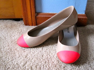 Neon tipped flats