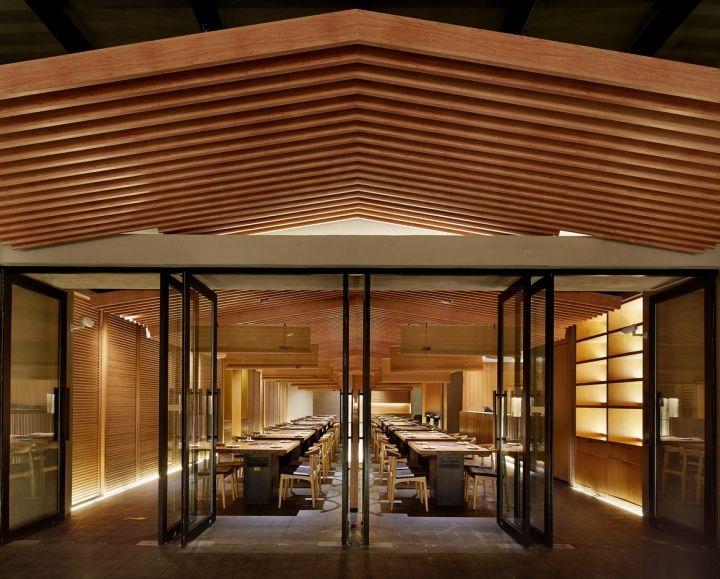 Tsuruichi Yakiniku resturant by Golucci International Design, Beijing – China