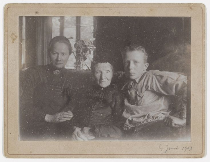 Jo van Gogh-Bonger (sister-in-law), Anna van Gogh-Carbentus (mother) and Vincent Willem van Gogh (nephew, Theo and Jo's son)