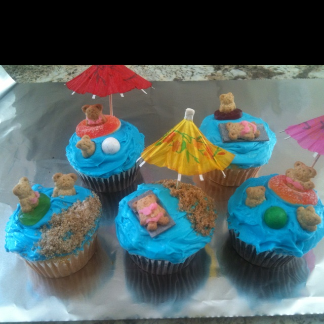 Beach/Swim Party cupcakes  I think I am going to make these for Caden!!!