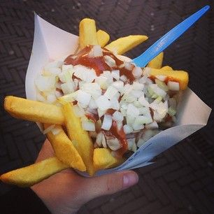 Patatje oorlog, Holland   The Best Guilty Pleasure Food In 25 Different Countries