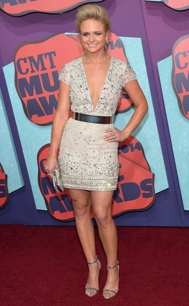Miranda Lambert Flaunts Reported 45-Pound Weight Loss at 2014 CMT Music Awards, Looks Amazing?See Pic!