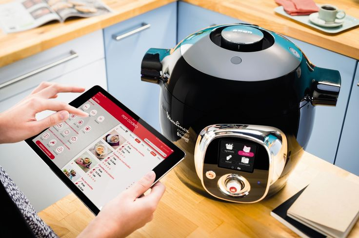 COOKEO CONNECT by Moulinex is an easy to use cooking companion. Chose a recipe with the app or enter your own, enriches your Cookeo and learn new techniques.