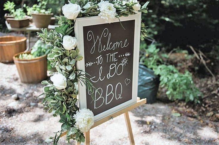 #weddinggarland #weddingflowers #weddingdetails #white #whitewedding #garland #incarnationsdesign