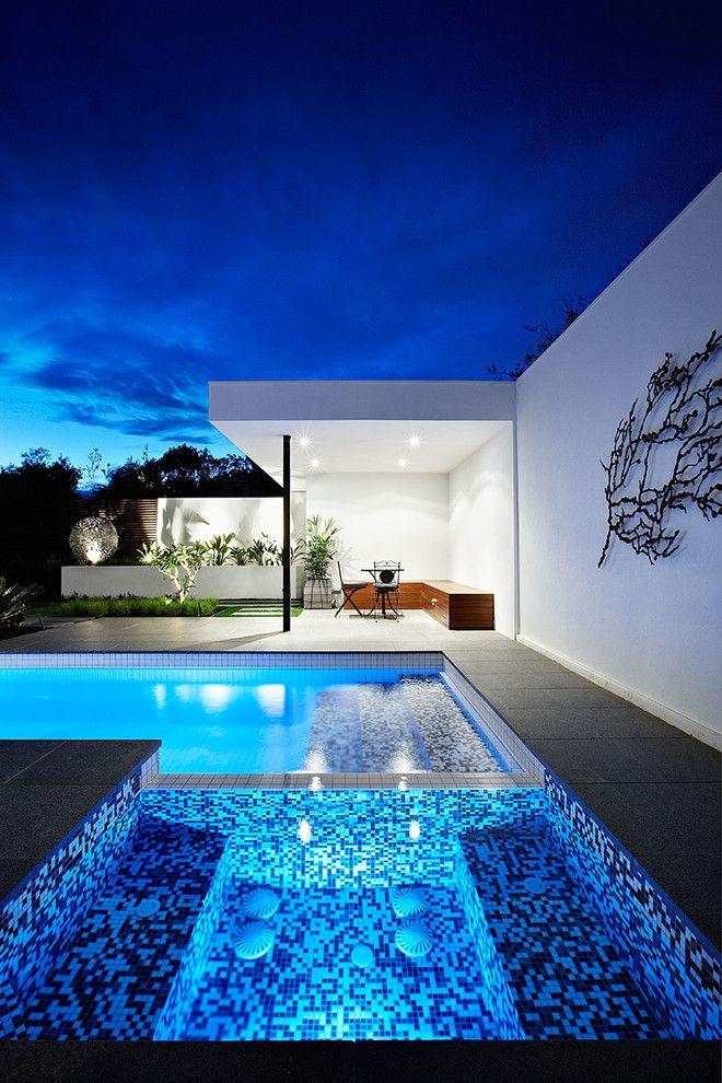 modern pools and homes - Hinterhoflandschaftsideen