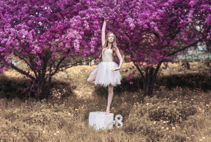Music box Mod. Iga Jasiuk   #dancer #photography #art #photoshoot #spring #girl #beautiful #blonde #blossom #ballet #ideas #natura #flowers #art #colorful