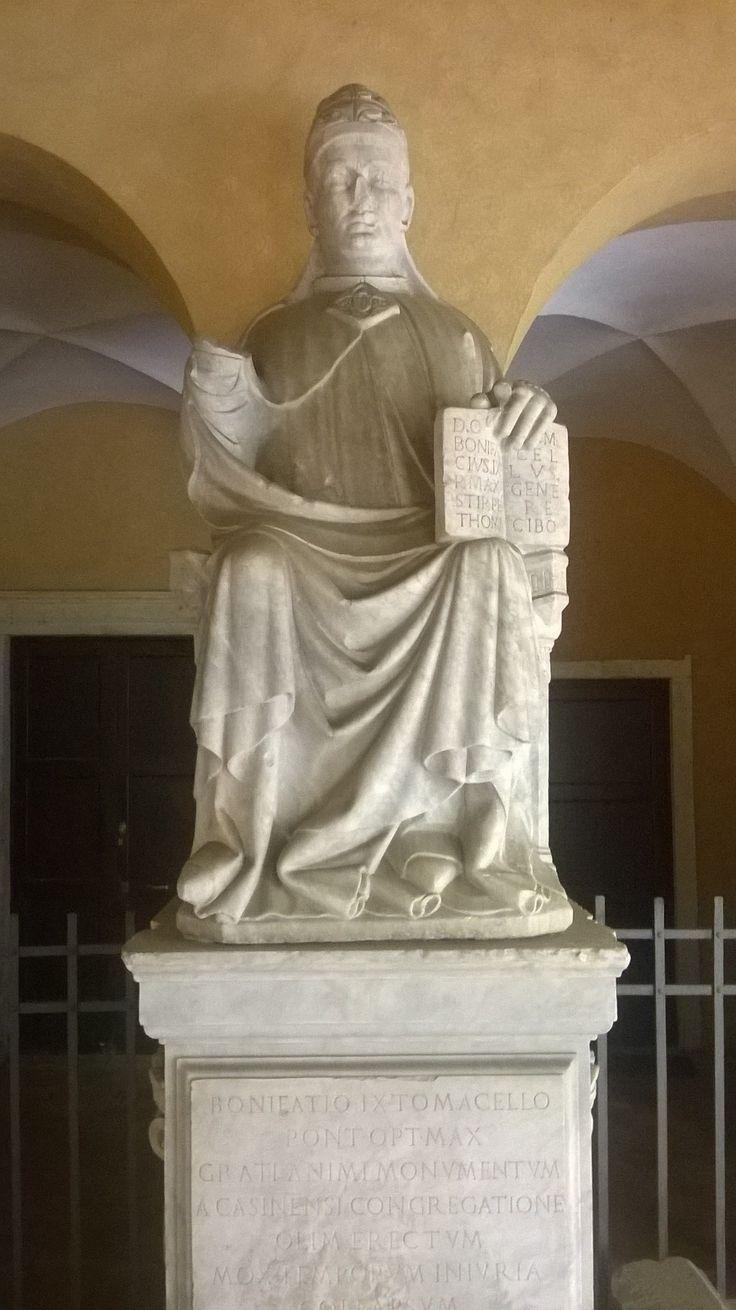 That's seems an Asian statue, Basilica di San Paolo, #Roma