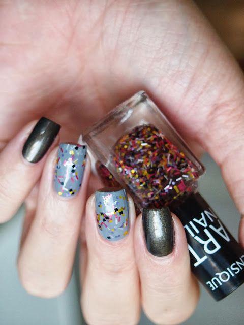 http://nailsrevolutions.blogspot.com/2013/12/sensique-art-nails-321.html