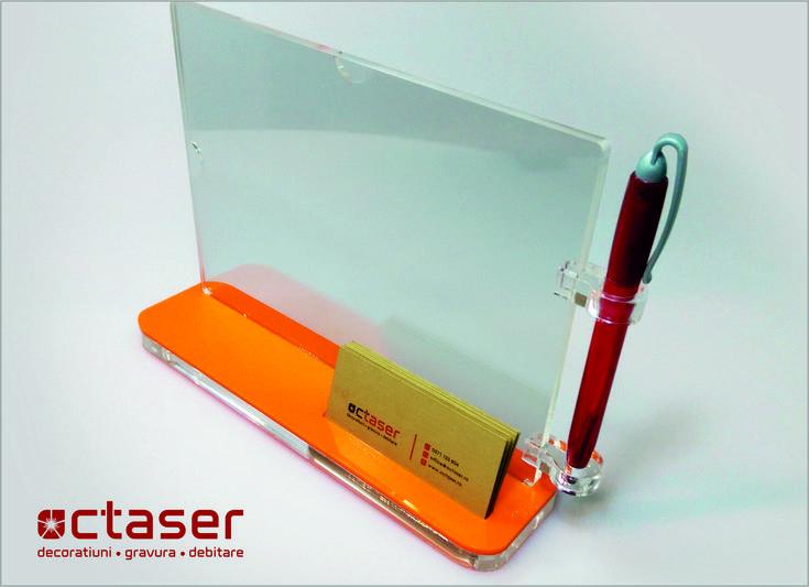 Realizat prin debitare laser, acest suport se foloseste in institutii sau alte locatii pentru prezentarea unor produse sau servicii - Elegant si util!