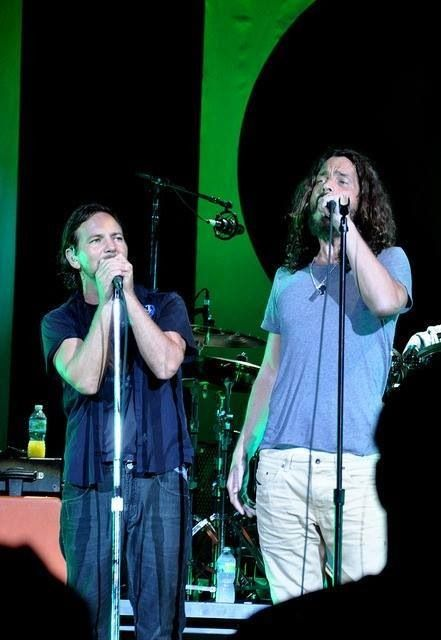 Eddie Vedder And Chris Cornell 1919 best images about...