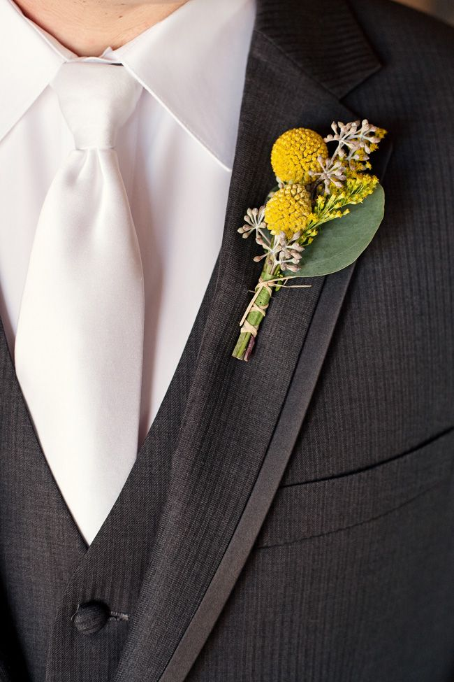These are a great modern version of a buttonhole that would look fab with any 60s mustard themed wedding.
