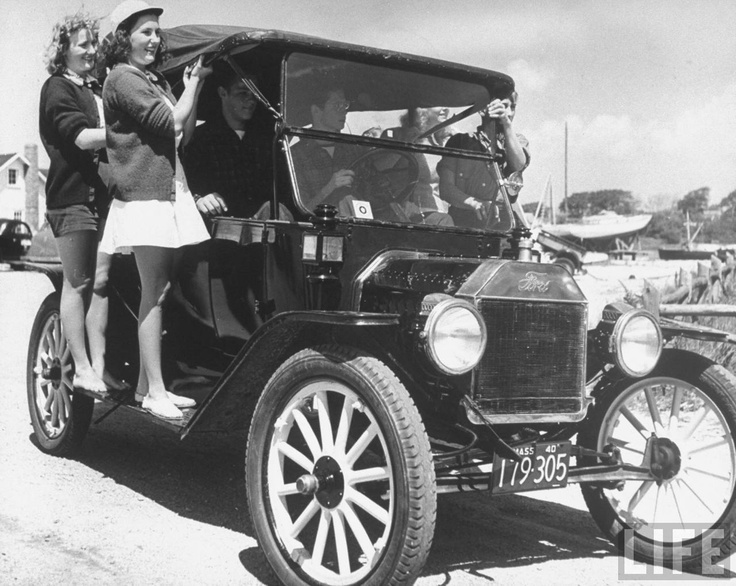 ...: Riding 1940S, 1940S Styles, Vintage Cars, Capes, By Alfred Eisenstaedt, Models T, Vintage Photo, 1940S Photographers, The Beaches