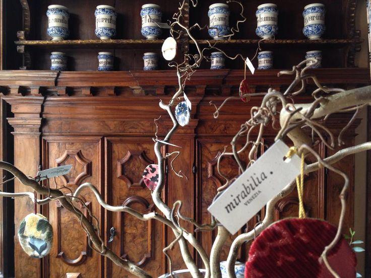 L'albero degli Zecchini per i Tondi di Mirabilia Venezia / The Zecchini tree with Tondi, the Mirabilia medaillons fashioned with Bevilacqua's fabrics