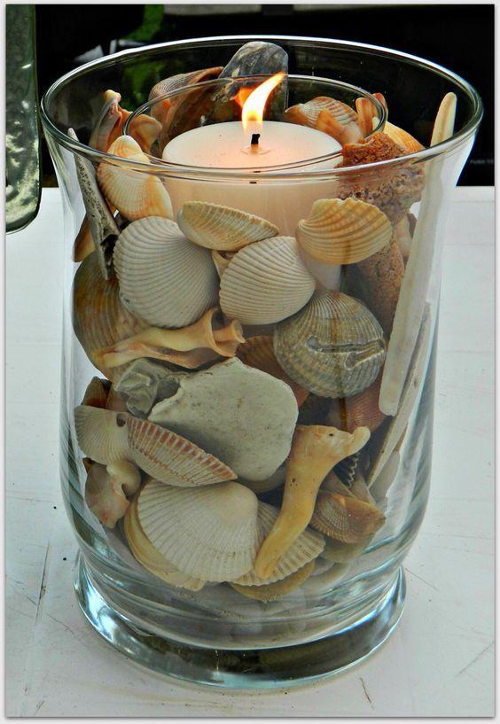 Déco bord de mer. Nous avons sélectionné pour vous aujourd'hui 20 idées créatives pour réaliser une très belle déco dans un vase, avec bougie sur le thème..