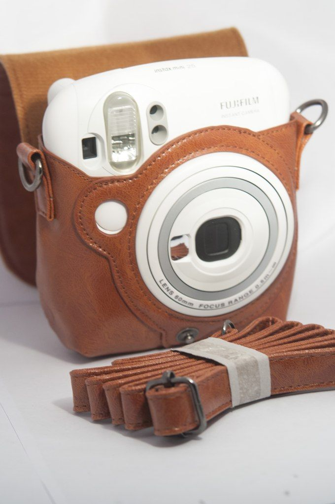 already purchased a pink case for my fujifilm instax mini 8, but the vintage leather is too cute to pass up!