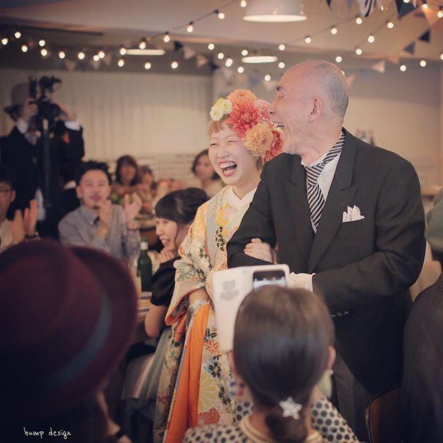 #ホテルエマノン 本日の結婚式 一番の笑顔が撮れました。 と 撮った時に思いました。 新婦ちゃん お父さま ニッコニコ! わたくし、 ニヤリ。笑 #結婚写真 #花嫁 #プレ花嫁 #卒花 #結婚 #結婚式 #結婚準備 #婚約 #婚 #カメラマン #プロポーズ #前撮り #ロケーション前撮り #写 #ブライダル #ウェディングフォト #ウェディング #写真好きな人と繋がりたい #結婚式コーデ #結婚式前撮り #結婚式カメラマン #weddingphoto #wedding #weddingphotography #instawedding #bridal #ig_wedding #bumpdesign #バンプデザイン