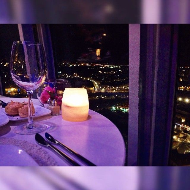 Food with a view #atomium #panoramic #restaurant #nightlife #brussels #brussel #bruxelles