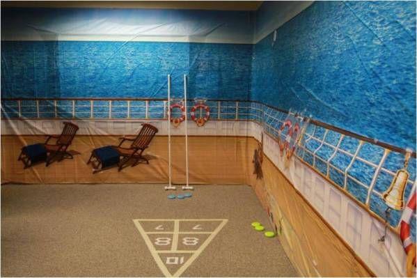 Google Image Result for http://www.partycheap.com/v/vspfiles/assets/images/cruise_ship_scene_setter.jpg