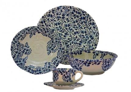 Vajilla azul fabricado en Talavera