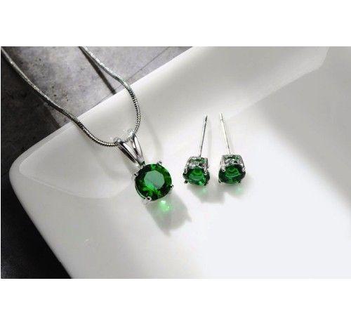 Cercei si colier cu cristale verzi http://www.bijuteriifrumoase.ro/cumpara/cercei-si-colier-cu-cristale-verzi-3256